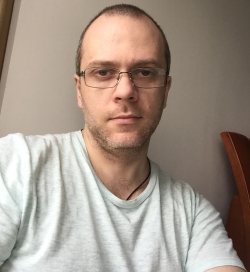 Олег Конах